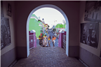 People in the Bo Kaap, seen through an archway